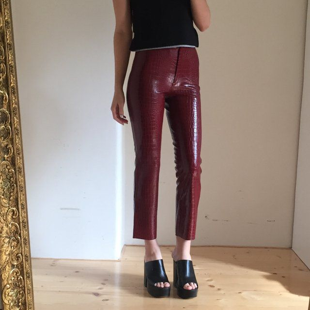 The Most Perfect pair of snake skin capri trousers by Morgan De Toi  size 4-6 / W25  In flawless condition. Instant buy is on ✨