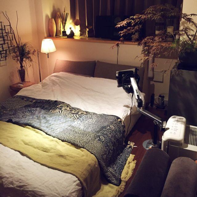 mituzuさんの、ベッド周り,観葉植物,雑貨,寝室,間接照明,自作,一人暮らし,アート,ベッドサイドテーブル,自作オブジェ,いつも、いいね!ありがとうございます,ベッドサイドランプ,のお部屋写真