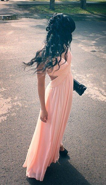 pretty bridesmaids dress: Long Dresses, Maxi Dresses, Fashion Ideas, Promdresses, Bridesmaid Dresses, Summer Style, Black Hair, Prom Dresses, The Dresses