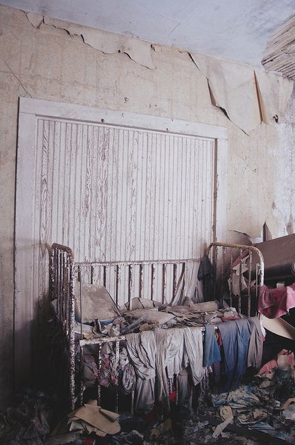 crib in abandoned house in Illinois, USA