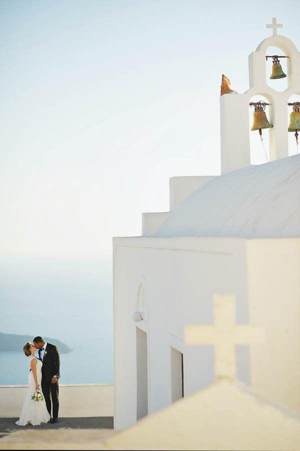 Romantic Santorini Destination Wedding at La Maltese   Image by Thanasis Kaiafas