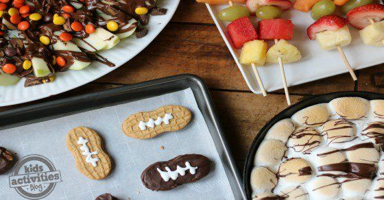 Food is always a big highlight during a Super Bowl Party so today on Family Food Live, 5 Kid-Friendly Big Game Dessert Ideas! You'll love these desserts.