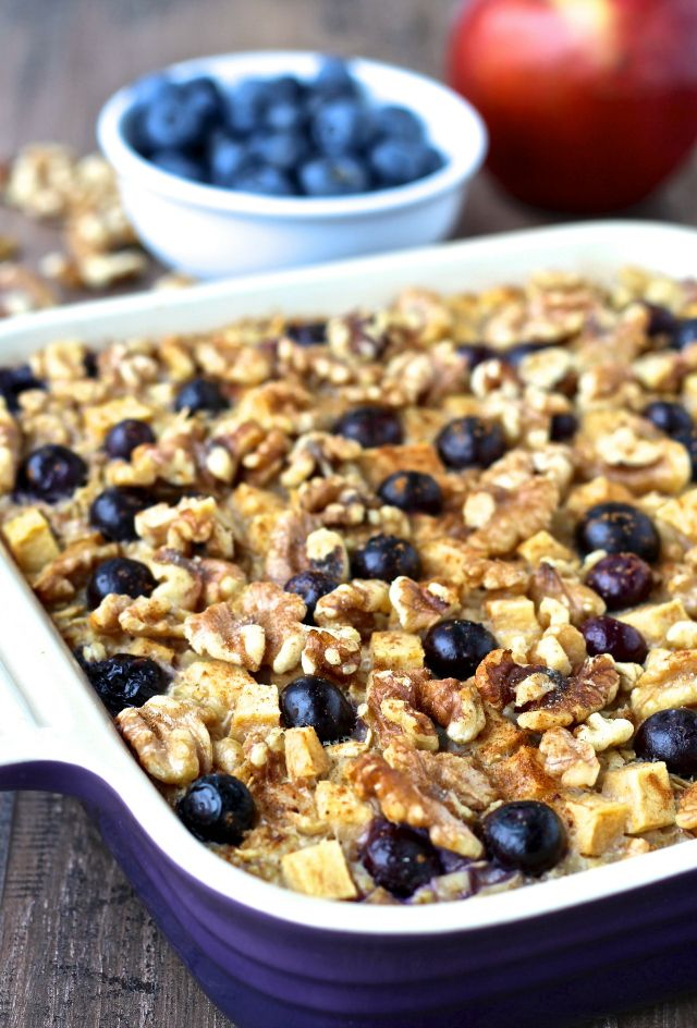 Blueberry Apple & Walnut Baked Oatmeal | @foodie