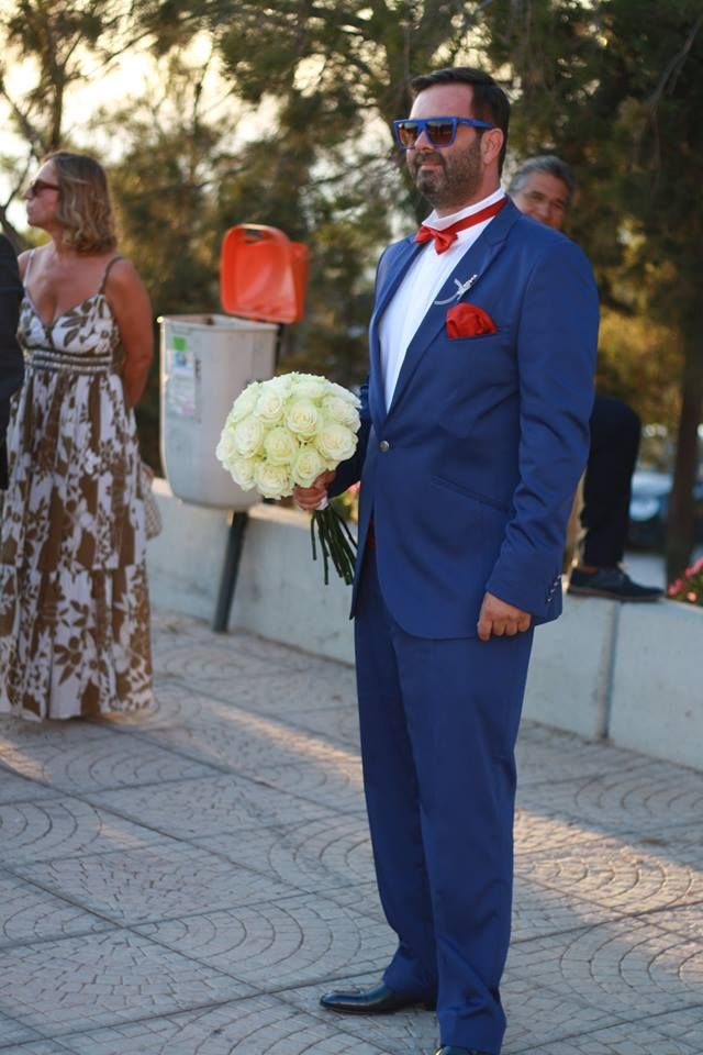 our groom with amazing style,..