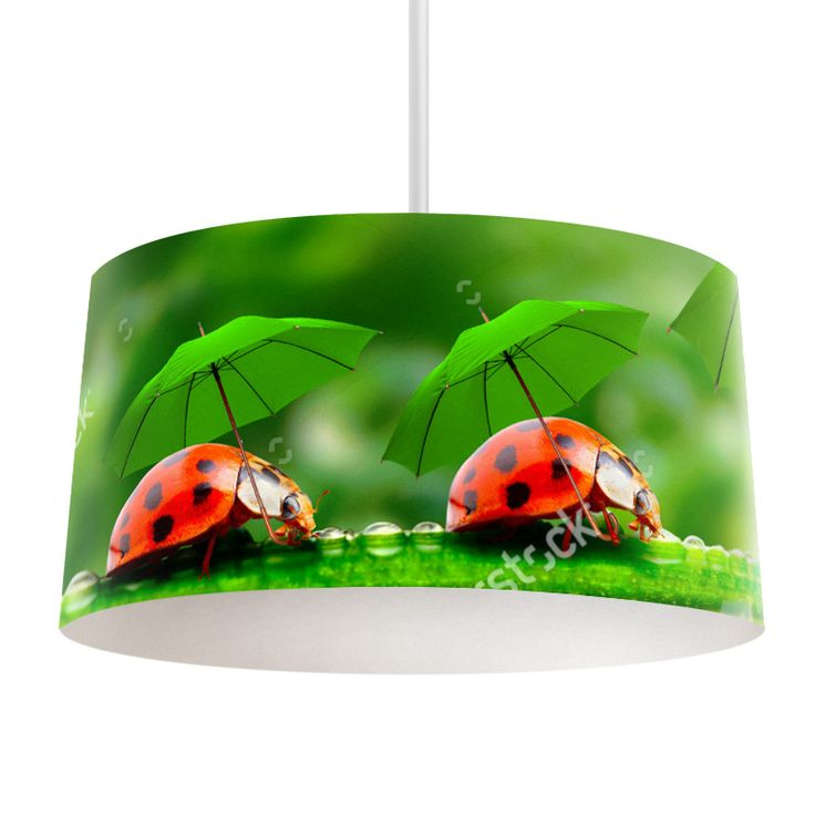 Lampenkap Door de regen | Bestel lampenkappen voorzien van digitale print op hoogwaardige kunststof vandaag nog bij YouPri. Verkrijgbaar in verschillende maten en geschikt voor diverse ruimtes. Te bestellen met een eigen afbeelding of een print uit onze collectie. #lampenkap #lampenkappen #lamp #interieur #interieurdesign #woonruimte #slaapkamer #maken #pimpen #diy #modern #bekleden #design #foto #regen #paraplu #lieveheersbeestje #schattig #natuur #regen #lieveheersbeestjes