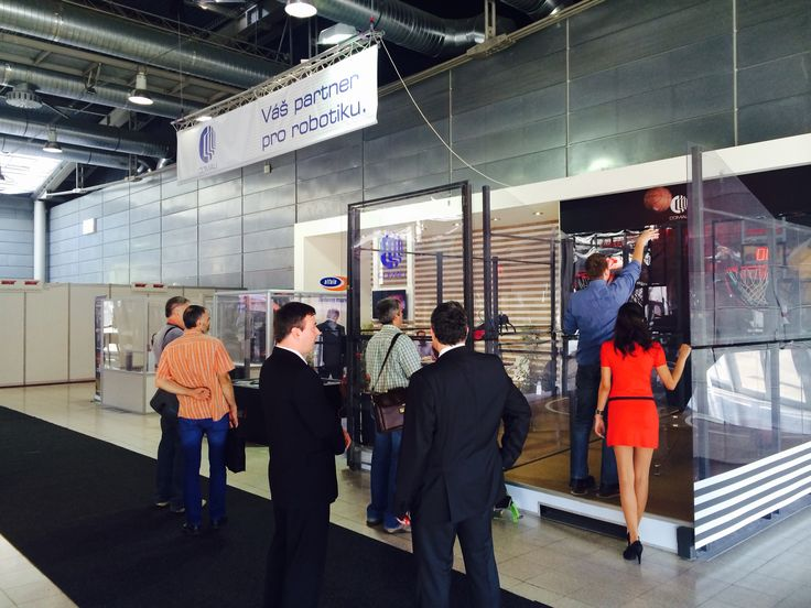 #Comau at #MSV2015 in #CzechRepublic; visitors #takethechallenge