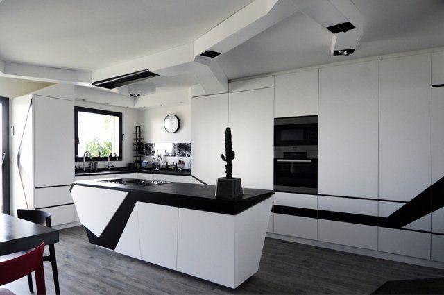 idées-cuisine-minimaliste-blanc-noir-vaisseau-spatial