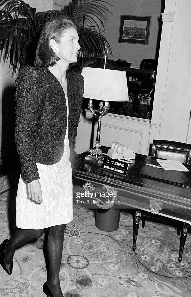 a biography of jacqueline bouvier kennedy onassis the wife of president john f kennedy Five myths about jackie kennedy  jacqueline bouvier kennedy onassis, the glamorous wife who was beside john f kennedy during his presidency and when he was shot, was for 33 years the most .