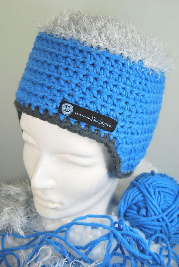 blaue Mütze mit Haaren - von DaiSign  http://de.dawanda.com/product/48176910-blaue-Muetze-mit-hell---grauen-Haaren