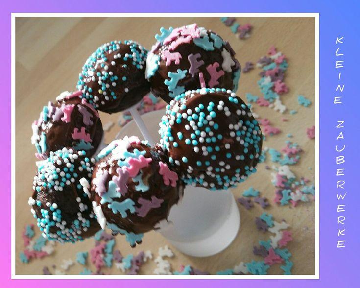 Zum 10. Aktionstag wirds rund und bunt mit schokoladig, frischen Cakepops im Einhornstyle.