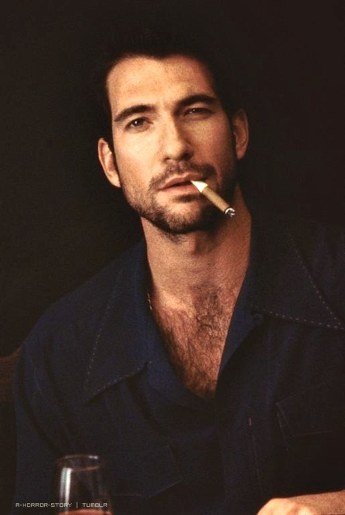 ladies, can we all just pause and thank the universe for giving us attractive men like dylan mcdermott?