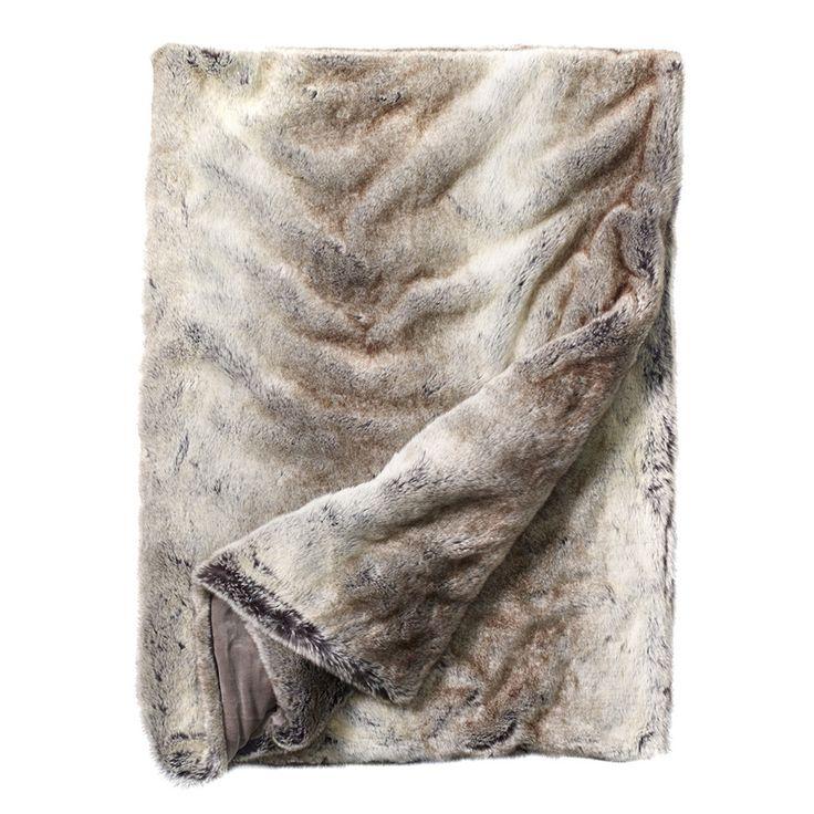 Whistler  Wolf Sengeteppe 240x260cm, Newport  3699 kr @ royaldesign.no