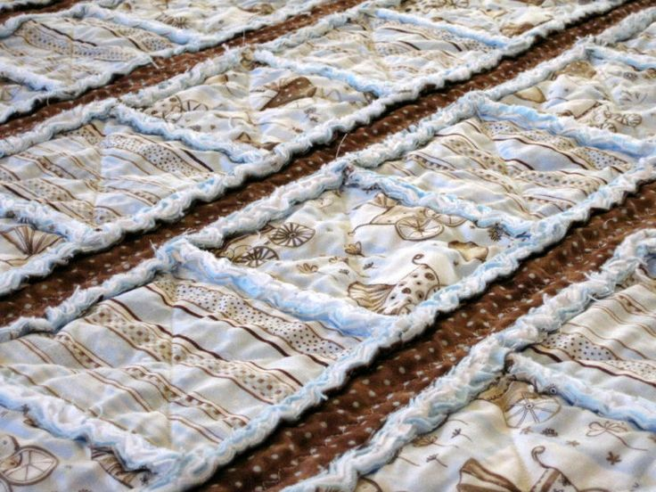 I Really Want To Try A Flannel Rag Quilt Throw For The Couch