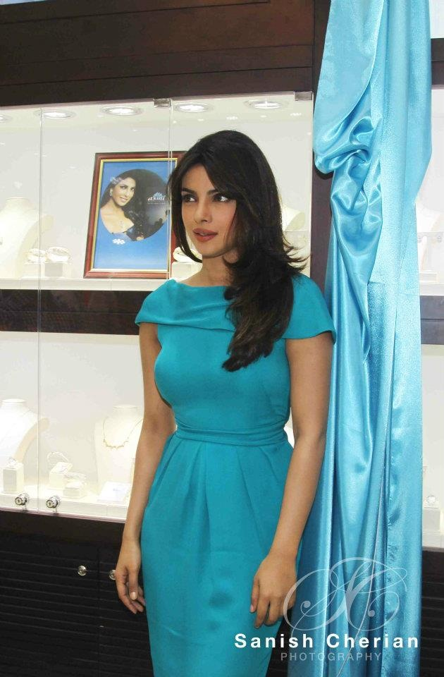 Looks I Love: Priyanka Chopra in Gauri &Nainika - Fashion Blog - For All Things Beautiful - The Purple Window