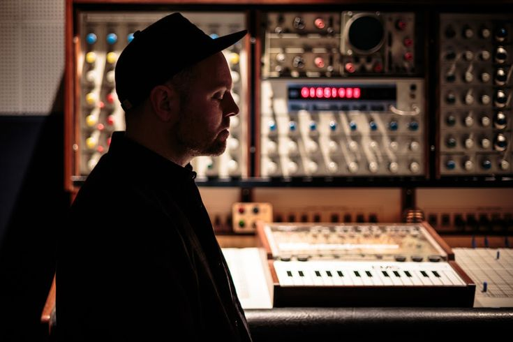 DJ Shadow - The Mountain Will Fall - https://www.musikblog.de/2016/06/dj-shadow-the-mountain-will-fall/ #DJShadow #NilsFrahm #RunTheJewels