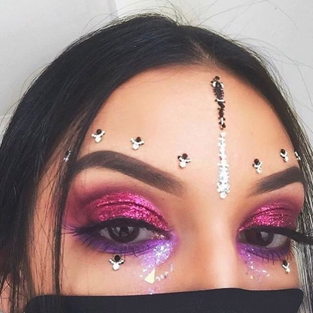 ♢ R O C K I N G  A U R O R A ' S ••Queen @rowisingh adorned in our SILVER AURORA Face Gems and PINK PEGASUS Chunky Glitter