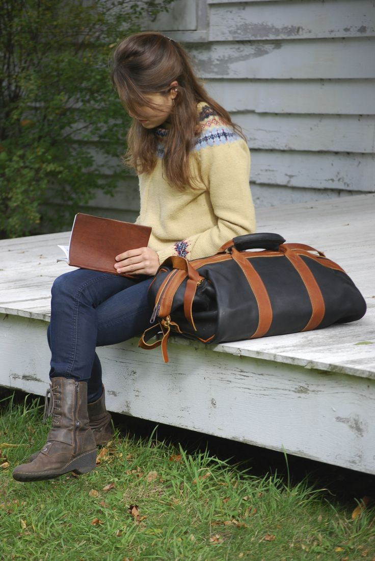 Black courier bag www.leelanautradingco.com