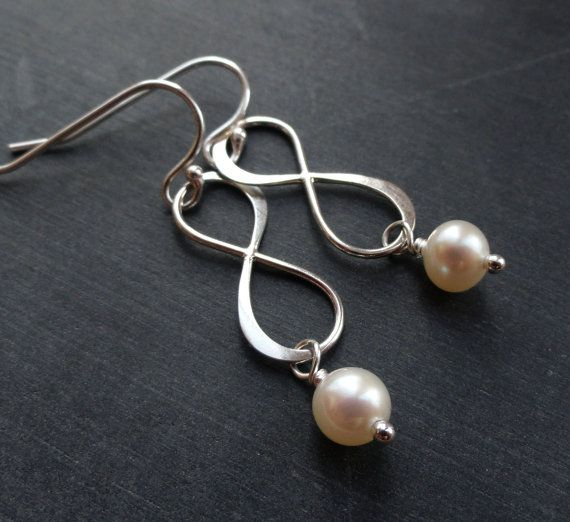 Set of SEVEN Silver Infinity earrings with freshwater pearls, Infinity jewelry for bridesmaid gifts, Figure eight, infinity symbol earrings