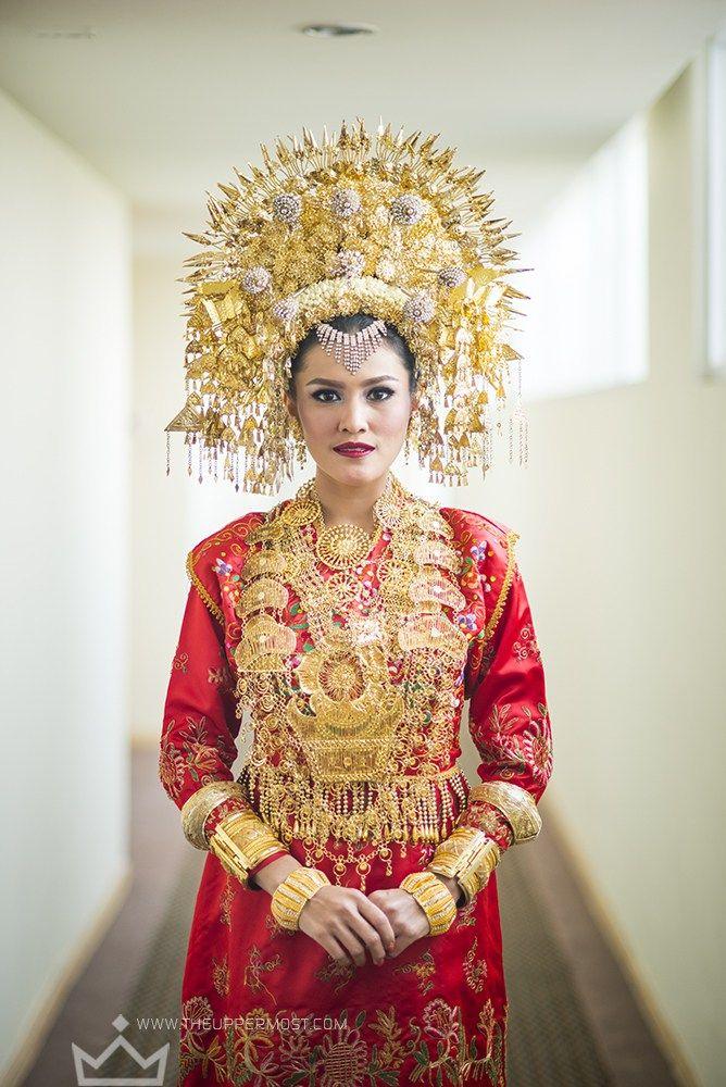 Pernikahan Adat Minang Ratu dan Mario di Jakarta