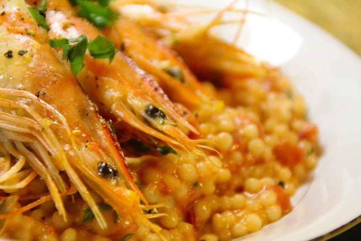 La fregula con i gamberi è un piatto tipico della tradizione culinaria di mare sarda.  #Sardegna #food #ricetta #ricette #sardinia #food #foodorgasm #fregula #gamberi #shrimps