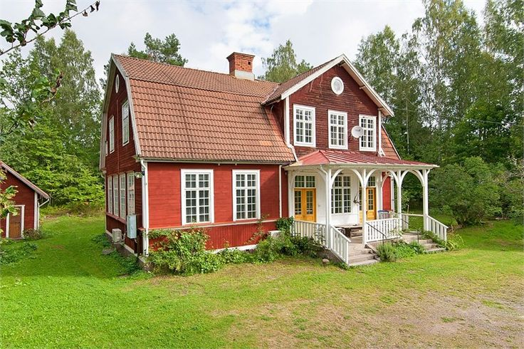Gärdala Skola, Rimforsa, Kinda, Sweden (the property is currently for sale). I love this old type of Swedish house with a lot of windows and the decorated porch.