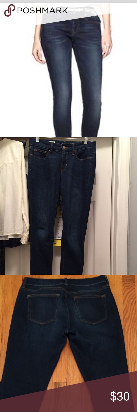 Gap legging jeans in Santa Cruz Blue Gap skinny legging jeans. Size 28s. 98%cotton/2%lycra. No stains/rips/holes. These are the short length jeans from the Gap, not Gap factory. No alterations or hemming. GAP Jeans Skinny