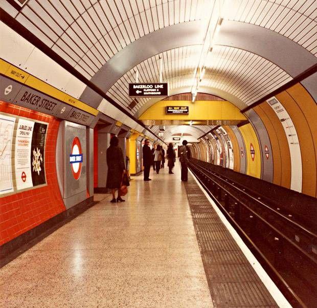 BAKER STREET TUBE STATION | MARYLEBONE | WESTMINSTER | LONDON | ENGLAND: *London Underground: Circle Line; Bakerloo Line; Hammersmith & City Line; Metropolitan Line; Jubilee Line* Photo: 1979: Jubilee Line Platform