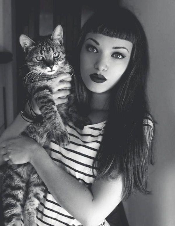 ¡A las pin-up también le gustan los gatos! Miss Bo