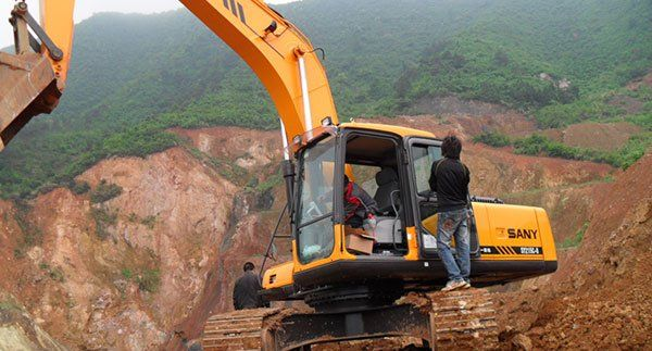 Small Excavator Challenges the Impossible | 张倩倩 | Pulse | LinkedIn
