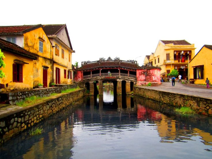 Hoi An, an enchanting ancient town located in Quang Nam province, central Vietnam, was once a major trading port of Southeast Asia in the 16th century.