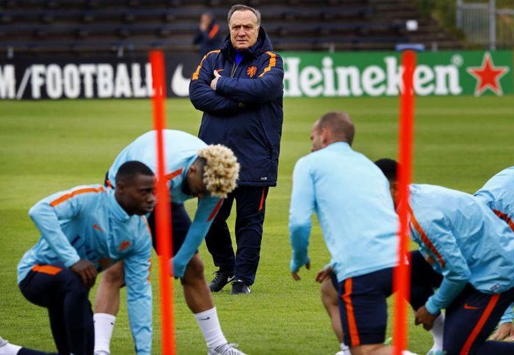 Training van Oranje door coach Dick Advocaat. Juni 2017.