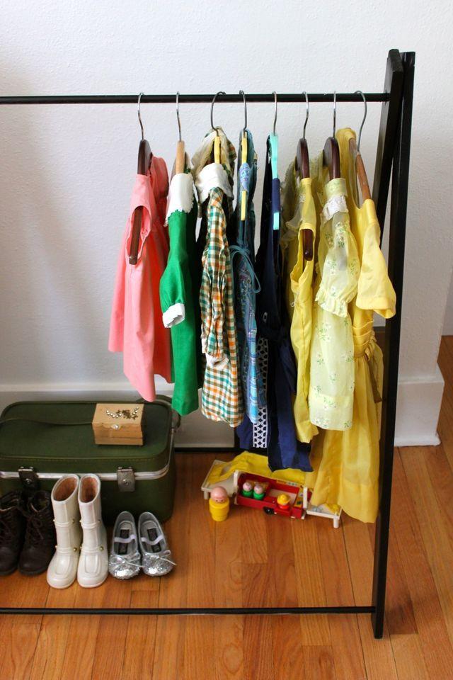 DIY: garment rack for the littlesOrganizing Ideas, For Kids, Clothing Racks, Organic Ideas, Diy Garment, Garment Racks, Diy Clothing, Diy Clothes, Laundry Room
