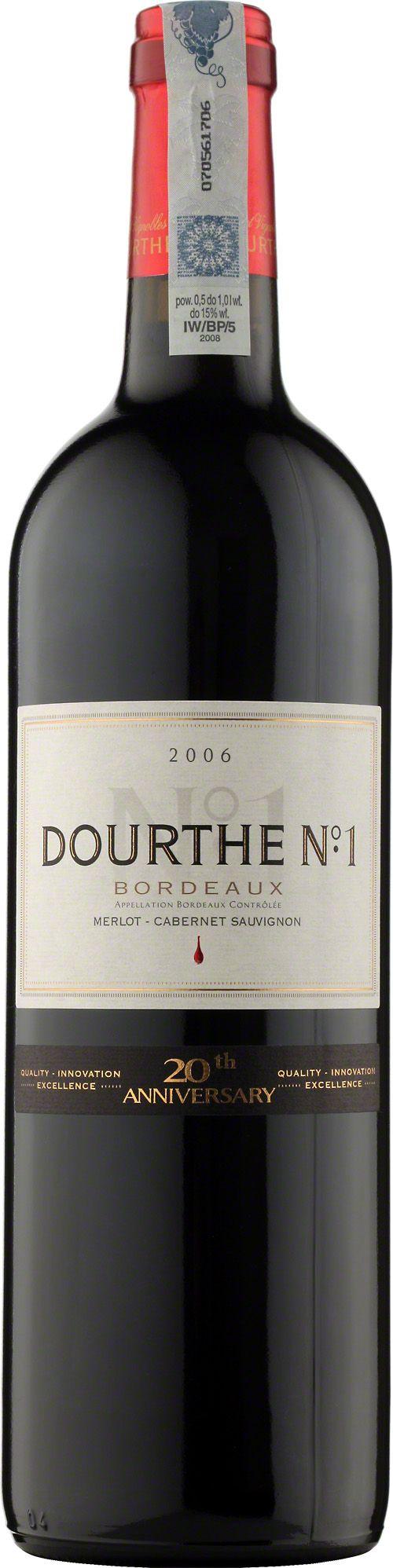 Dourthe No 1 Bordeaux A.O.C. Rouge Wyselekcjonowane wina Dourthe N°1, podobnie jak Bordeaux klasy grand cru, dojrzewają przez rok w nowych dębowych beczkach w piwnicach Dourthe w Parempuyre. Taniny zawarte w drewnie łączą się harmonijnie z taninami wina, nadając mu łagodny smak i podkreślając jego wykwintny bukiet. To wino o bogatym, wyrazistym, doskonale wyważonym smaku, który rozwinie kilkumiesięczne leżakowanie w butelkach. #Wino #Bordeaux #Winezja