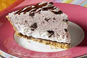 Oreo Ice cream pie:  1/2cup hot fudge ice cream topping, divided  1 HONEY MAID Graham Pie Crust (6 oz.)  1tub (8 oz.) COOL WHIP Whipped Topping, thawed, divided  2pkg. (4.2 oz. each) JELL-O OREO Flavor Instant Pudding  1-1/4cups cold milk