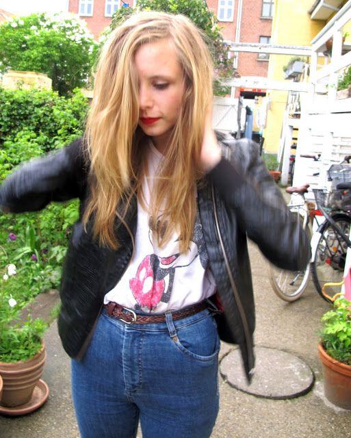 gårsdagens: 90′er bikertøs | NEMESIS, BABE