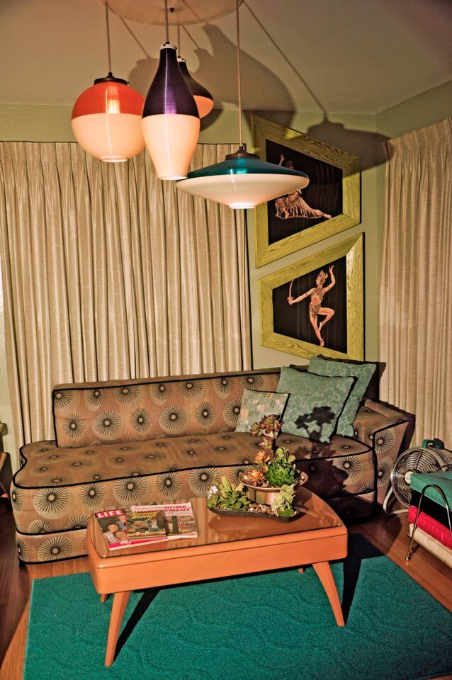 Mid Century Modern Living Room 40s Maybe So Kitchsy Love Those Colorful Atomic