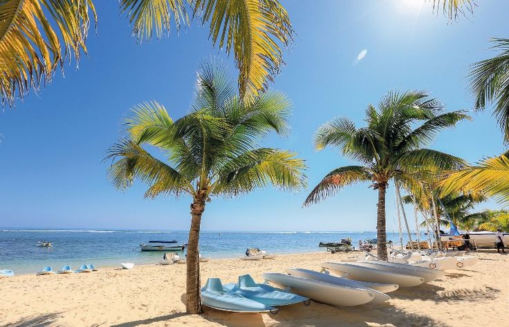 I could lie here for a week -Le Victoria beaches  #beach #relax #beachcomber