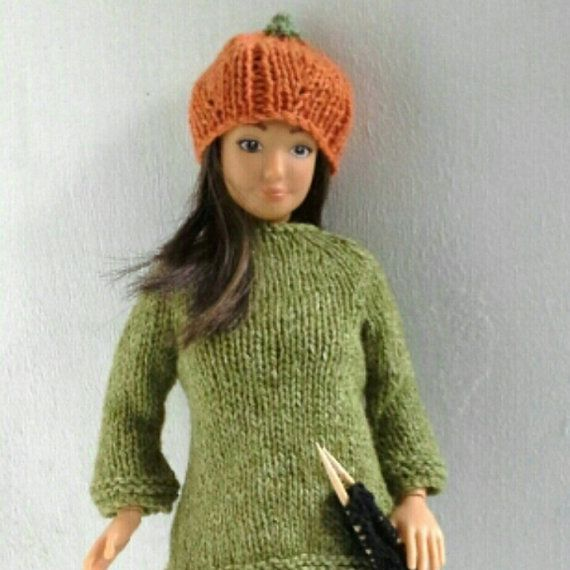 Knitted pumpkin hat for Barbie and Lammily by magicalcrumbs