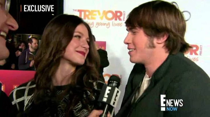 Melissa Benoist y Blake Jenner hablan sobre los planes de boda | SUBTITU...