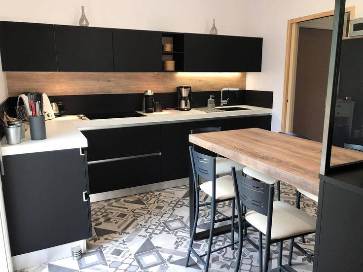 9 best Cuisines Groizeau images on Pinterest Kitchens, Showroom - hotte integree dans meuble haut
