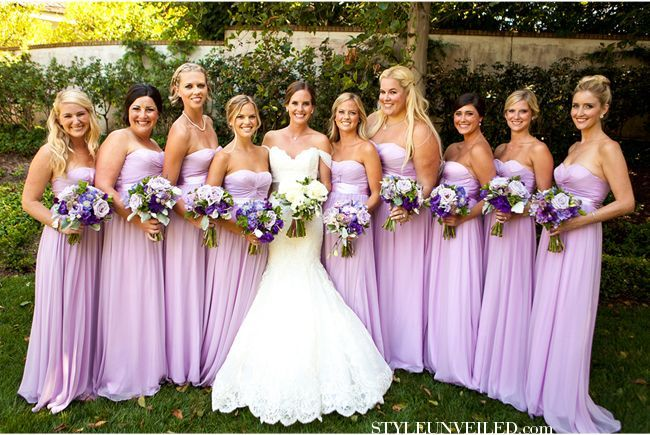 Beautiful lilac bridesmaid dresses, and the wedding dress is beautiful