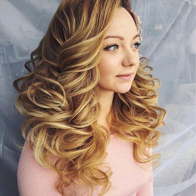 good morning😍🤗🎓👰🏼 hair by me🙋🏼# hair&makeup by me❤️#hudabeauty #vegas_nay#волосы #awesome #weddingstyles #weddinghair #makeup #bride#bridal#bridalmakeup#антонинароманова#антонинароман#bridalook #hair #hairdo #hairstyle #instamakeup #красиваяприческа #face #cute #trucco @hairstyles @hudabeauty @bombayhair @hair.videos @hair_tour @hair.club @hair.artistry @dream.hairstyles @hudabeauty @hair.club @bombayhair @hair.videos# hair&makeup by me❤️#hudabeauty #vegas_nay#волосы #awesome…