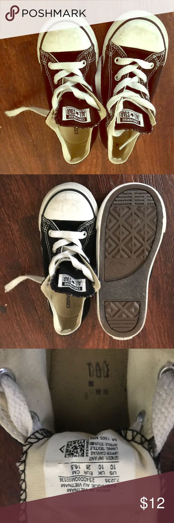 Little boys Converse Allstars Still have a lot of love to give! The tips are a little scuffed but the shoe is still in great condition ❤️ Converse Shoes Sneakers