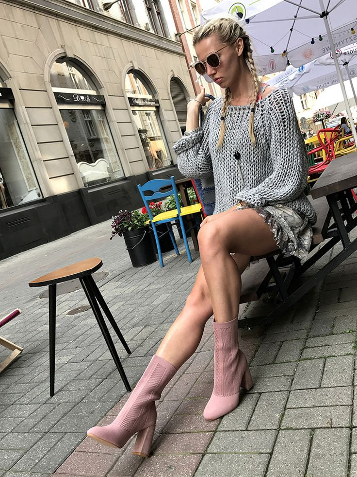 #frenchbraid #longhair #blondgirl  #fashion #shoes #onlineshop 🔛 www.elikshoe.pl 💋 #elikshoe #ewelina_bednarz  #kolekcjonerka_butow #style #outfit #streetstyle I like my #longlegs ☺️