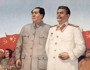 Stalin y Mao. La planificación  de la economía colectivizada china fue respaldada por la ayuda de la Unión soviética