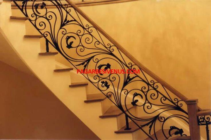 Jual railing tangga klasik Besi Tempa Harga murah, barang berkualitas,desain unik klasik.  Hubungi : Wa 085773635973, 082111002481 Web : pagarbesivenus.com #pagarbesi #pagarbesitempa #railingtangga #bengkelbesitempa #hargapagarbesitempa #railingbalkonklasik #besitempaklasik #pagarrumah #bengkellas #bengkellasbesitempa