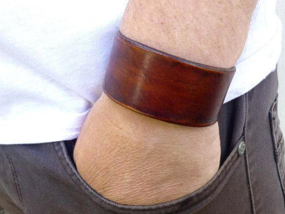 Genuine Leather Brown Cuff Bracelet Leather Cuff Men Leather Cuff Men Leather Bracelet Leather Bracelet Men Gift Leather Men Bracelet ------------------------------------------------------------------------------ Please feel free to contact me if you have any questions. When choosing your size choose the size that matches your wrist measurement. I will add the extra space so the bracelet is not too snug. ------------------------------------------------------------------------------ This…