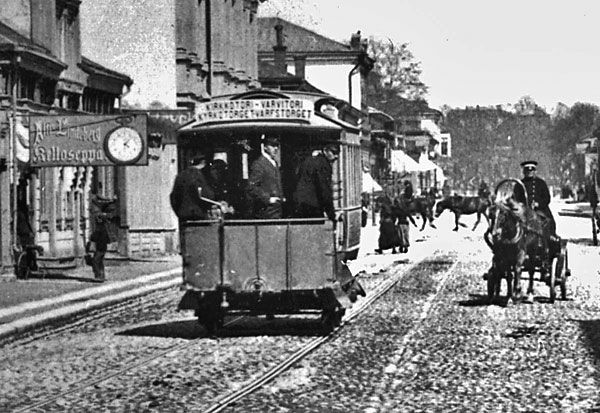 https://upload.wikimedia.org/wikipedia/commons/6/6a/Turku_Horse_tram_1890.jpg