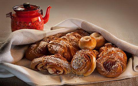 Korvapuusteja ja Kaenuulaista pullaa  #sweet #baked roll