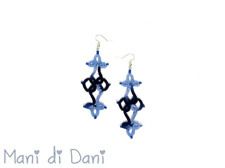 Orecchini blu pendenti in pizzo chiacchieirno di Mani di Dani su DaWanda.com